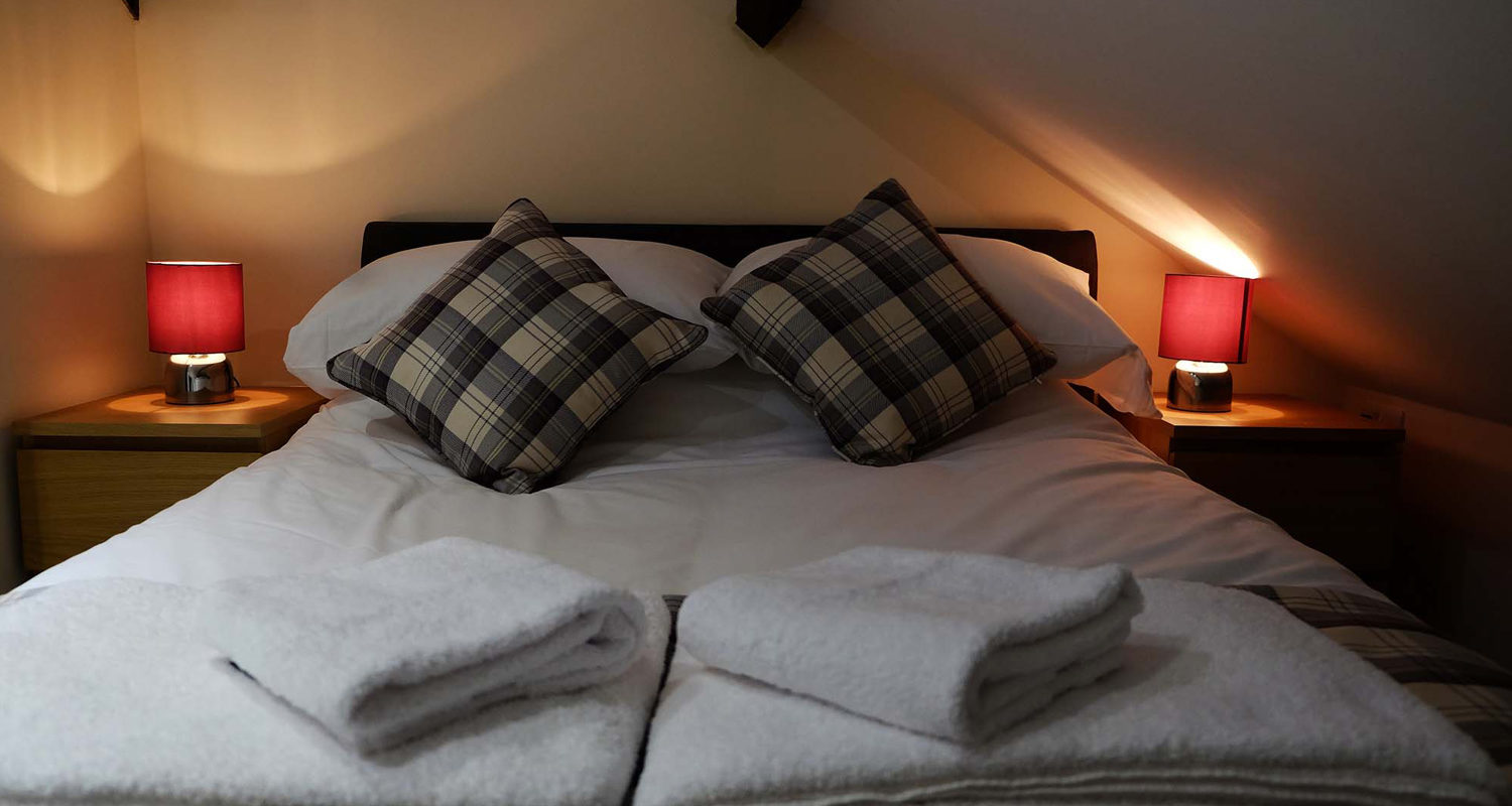 Bedroom double and single at The Cwtch Mid Wales Holiday Lets Rhayader Elan Valley